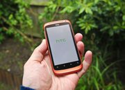 Red HTC Desire S hands-on - photo 2