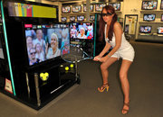 Comet showing 3D Wimbledon in store with the help of Amy Childs - photo 2