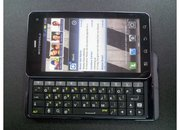 Motorola Droid 3 / Milestone 3 leaked pics aplenty - photo 2