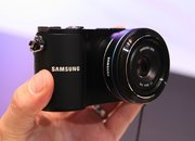 Samsung NX200 hands-on - photo 3