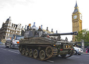 Battlefield 3 Tanksis help London commuters to work on launch day - photo 2