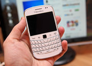 White BlackBerry Bold 9900 pictures and hands-on - photo 2