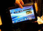 Fujitsu Arrows waterproof honeycomb tablet pictures and hands-on - photo 2
