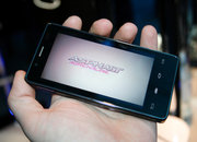Intel Medfield Atom Android smartphone pictures and hands-on - photo 2
