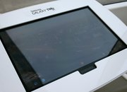 London Eye pod packing Samsung Galaxy Tab 10.1 pictures and hands-on - photo 4