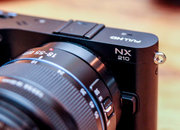 Samsung NX210 pictures and hands-on - photo 2