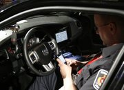 Police in Canada start using BlackBerry PlayBooks in their cars - photo 3