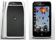 Motorola Atrix HD: 4.5-inch screen, Kevlar backed, but only 8.4mm thick - photo 2
