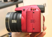 Fujifilm FinePix SL300 in red pictures and hands-on - photo 2