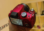 Fujifilm FinePix SL300 in red pictures and hands-on - photo 4