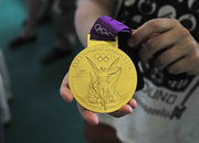 London 2012 Olympic gold medal pictures and hands-on - photo 5