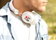 Snug Headphones emblazoned with classic 'I Love New York' logo - photo 3