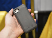 Otterbox Defender iPhone charger case pictures and hands-on - photo 5