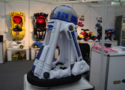 Inflatable R2-D2 lets your ride your favourite droid - photo 3