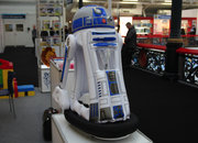 Inflatable R2-D2 lets your ride your favourite droid - photo 4