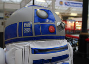 Inflatable R2-D2 lets your ride your favourite droid - photo 5