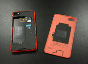 Red BlackBerry Z10 limited edition pictures and hands-on - photo 4