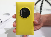 Nokia Lumia 1020 accessories: hands-on with charging shell, grip and mount - photo 3