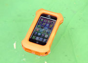 Lifeproof life jacket for iPhone 5 case: Big, orange, and it floats too - photo 4