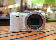 Sony NEX-5T hands-on: NFC comes to the NEX - photo 2