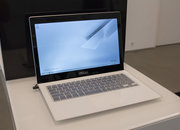 Asus Zenbook UX301 hands-on, Gorilla Glass-topped laptop is a stunner - photo 2