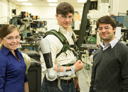 Titan Arm exoskeleton gives you super strength and wins 2013 James Dyson Award - photo 4