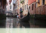 Google Street View now includes the canals of Venice: Man + gondola = watery fun - photo 1