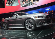 Ford Mustang GT 2015 coming to the UK: Pictures and eyes-on - photo 2