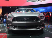 Ford Mustang GT 2015 coming to the UK: Pictures and eyes-on - photo 3