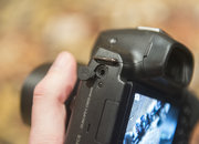 Hands-on: Samsung NX30 shows off tilt-angle electronic viewfinder - photo 4