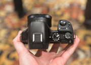 Hands-on: Samsung NX30 shows off tilt-angle electronic viewfinder - photo 5