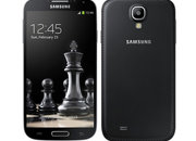 Samsung Galaxy S4 and Galaxy S4 Mini handsets in jet black with faux leather backs hit Russia first - photo 1