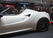 Alfa Romeo 4C Spider concept pictures and eyes-on - photo 3