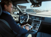 Volvo self-driving Autopilot cars begin road tests, can merge traffic and adjust speed - photo 1
