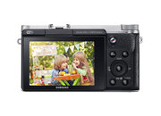Samsung NX3000 compact system camera offers selfie mode for winkers - photo 5