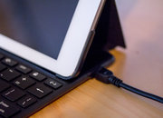 Kensington KeyFolio Thin X3 keyboard turns your iPad into a laptop and lets you charge your phone at the same time - photo 4