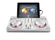 Can DJing be any simpler? Pioneer DDJ-WeGO3 hooks up to your iPad or iPhone and mixes from Spotify - photo 5