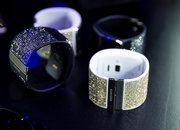 Samsung Gear S Strap and blinged Galaxy Note 4 rear shells: Swarovski in the house - photo 2