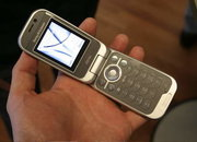 Sony Ericsson Z610 mobile phone - FIRST LOOK - photo 3