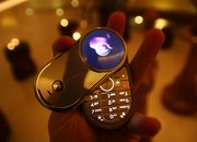 Motorola Aura mobile phone - First Look - photo 4