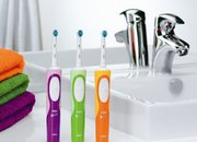 Oral-B Vitality Precision Clean electric toothbrush - photo 2