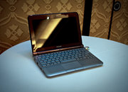 Toshiba NB305 notebook   - photo 2