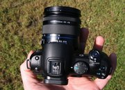 Samsung NX10 hybrid camera   - photo 4