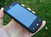 LG Optimus 7 - photo 2