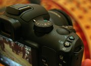 First Look: Samsung NX11   - photo 5