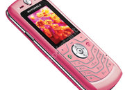 Motorola turns the SLVR pink for Carphone Warehouse - photo 1