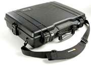 Peli 1945 laptop case that's unbreakable and even chemical resistant - photo 1