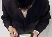 Fujitsu makes World's smallest tablet-convertible notebook PCs - photo 2