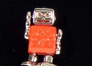 Retro robots cufflinks want to invade your shirt sleeves  - photo 1