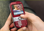 Palm officially launches the Centro smartphone  - photo 3